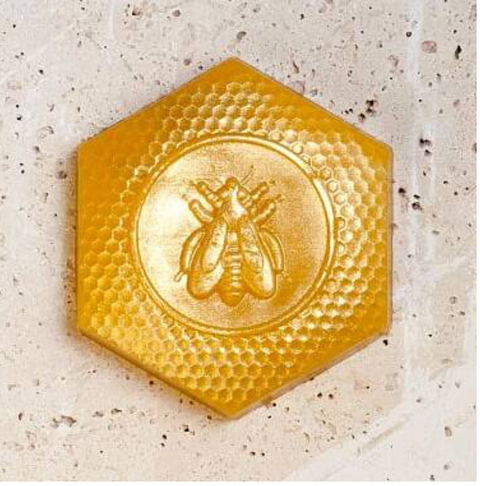 << QUEEN BEE >> HONEY + GOLD DUST GLIMMER SOAP