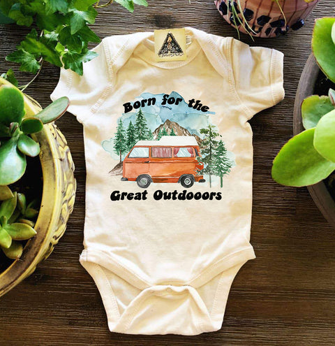 « BORN FOR THE GREAT OUTDOORS » BODYSUIT