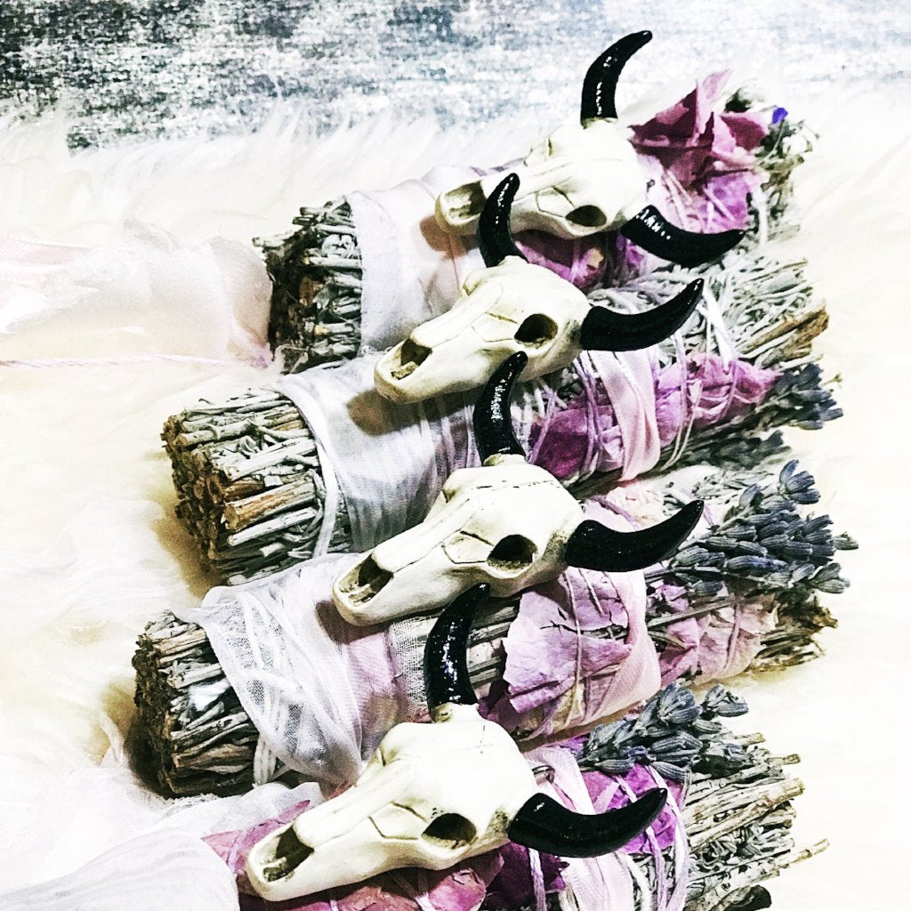 << CUT THE BULL >> HANDCRAFTED SAGE SMUDGE - The Pine Torch