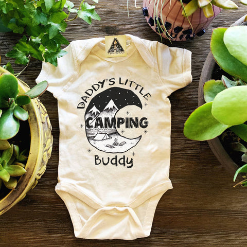 « DADDY'S LITTLE CAMPING BUDDY » BODYSUIT