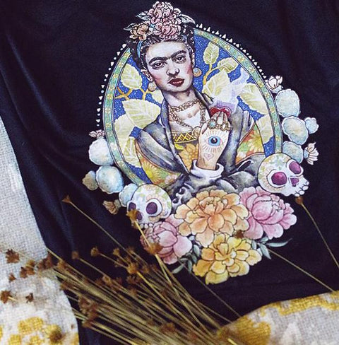 « FRIDA » WOMEN'S FLOWY OR UNISEX TEE