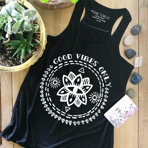 « GOOD VIBES ONLY » WOMEN'S FLOWY RACERBACK TANK
