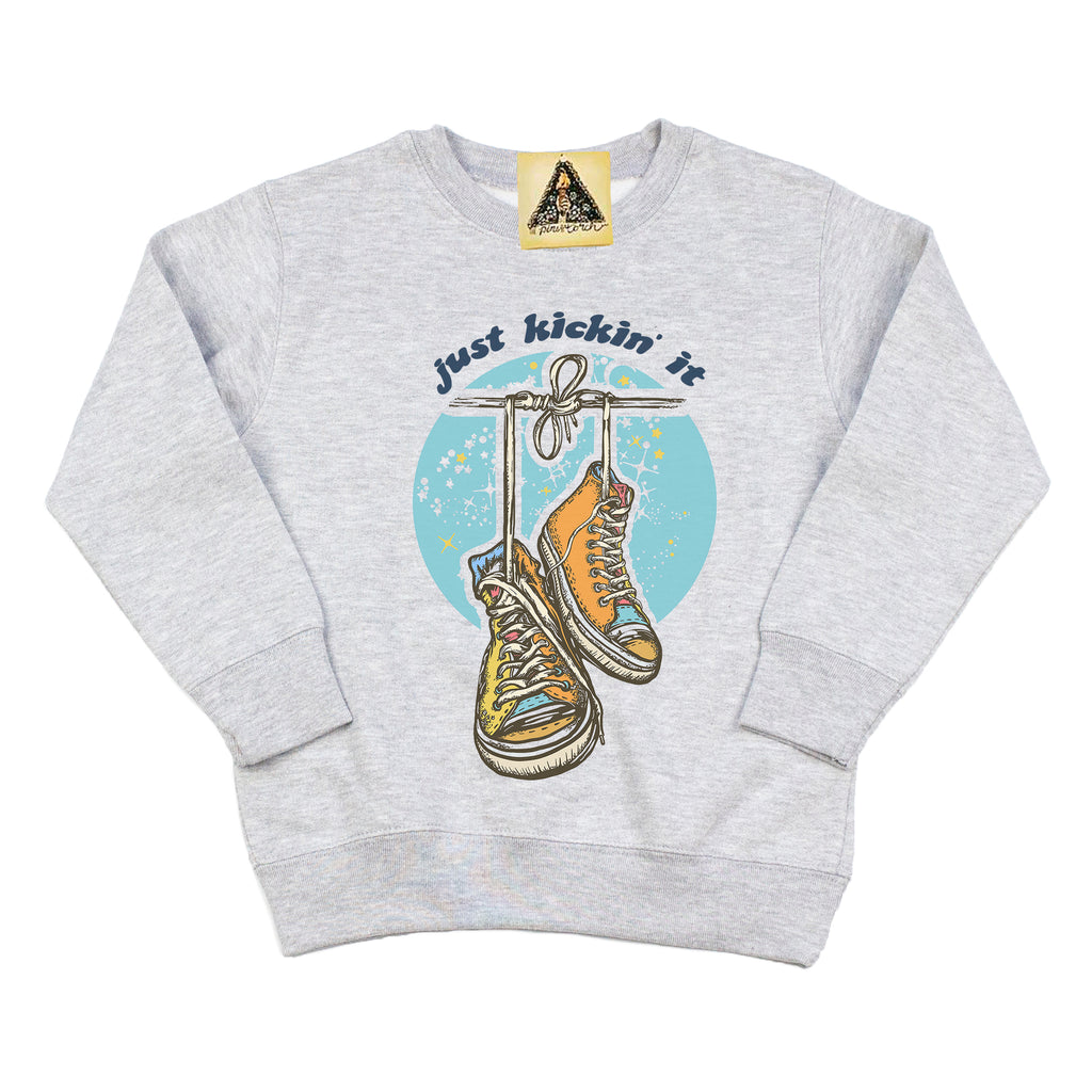 « JUST KICKIN' IT » KID'S PULLOVER