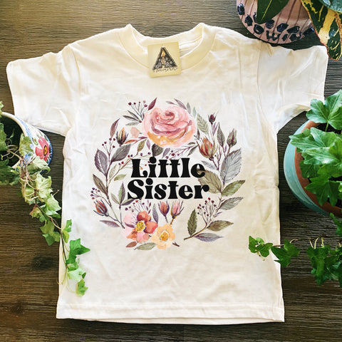 « LITTLE SISTER WITH ROSES » KID'S TEE