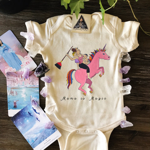 « MAMA IS MAGIC » BODYSUIT