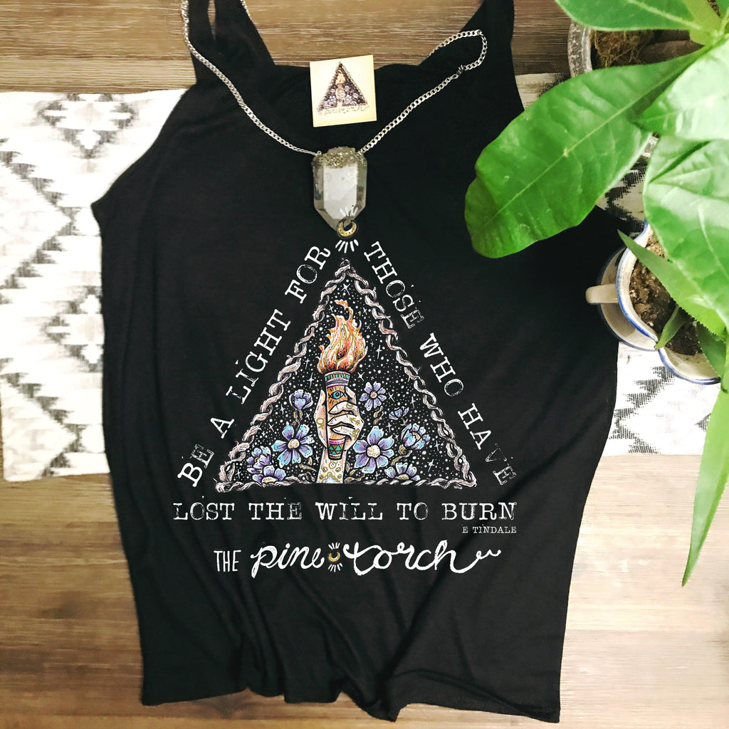 « BE A LIGHT - THE PINE TORCH SIGNATURE » SLOUCHY TANK