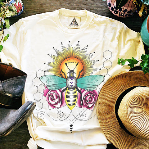 « QUEEN BEE » CREAM UNISEX TEE