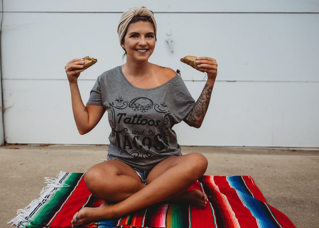 « TATTOOS AND TACOS » SLOUCHY TEE