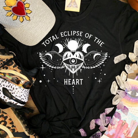 « TOTAL ECLIPSE OF THE HEART »  SLOUCHY OR UNISEX TEE