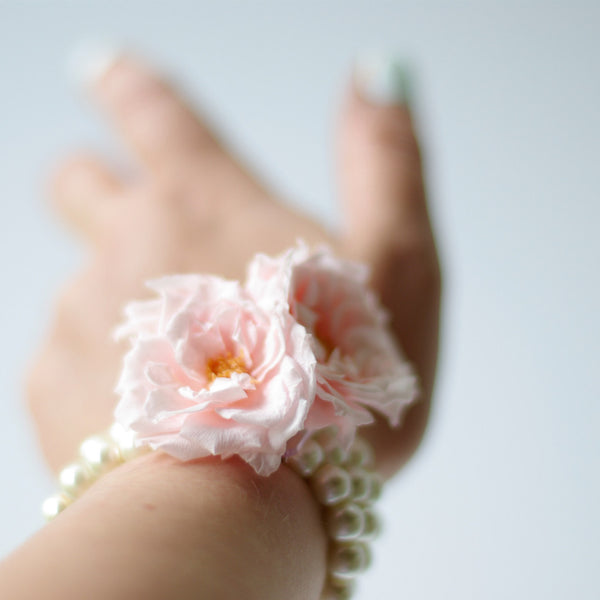 Pink rose bloom pearl corsage