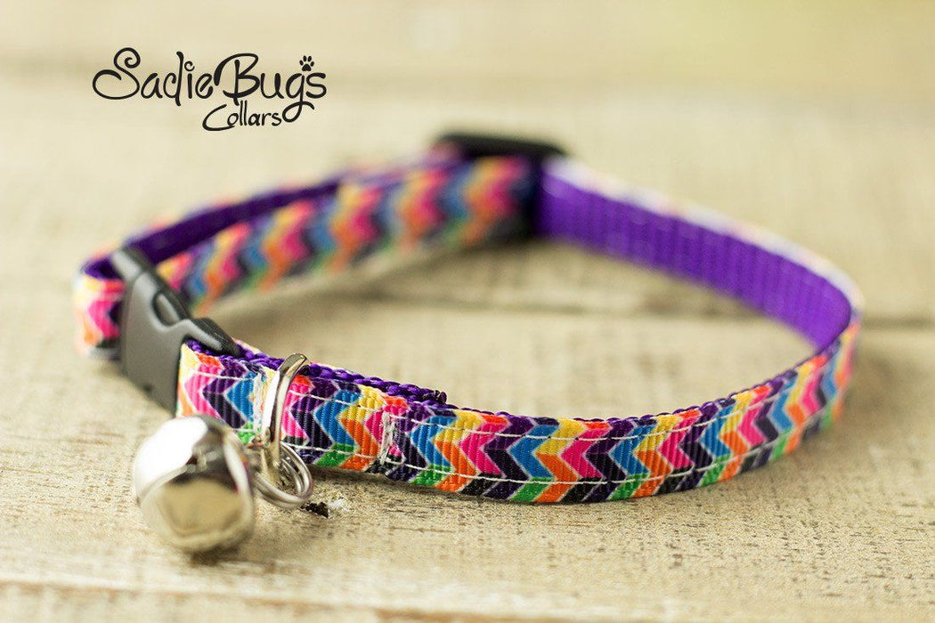 Chevron cat collar