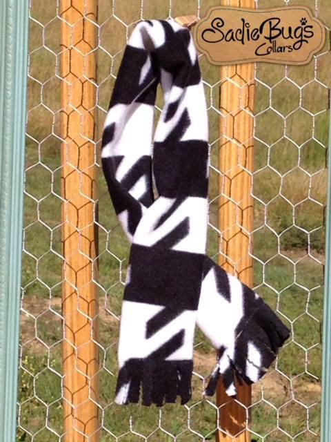 Houndstooth fleece dog scarf