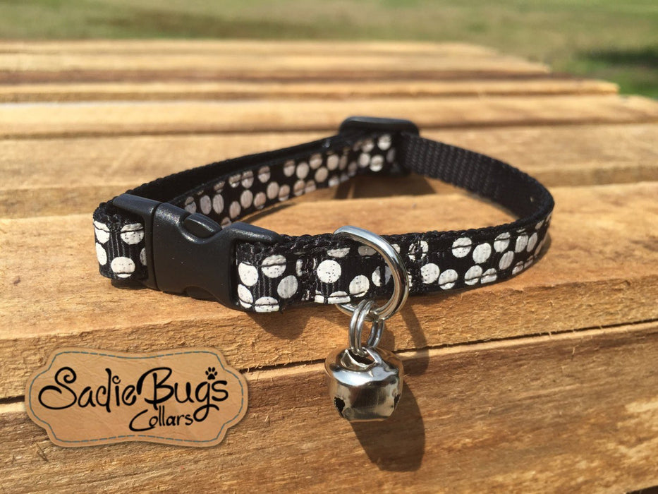 Black and White Polka Dot cat collar