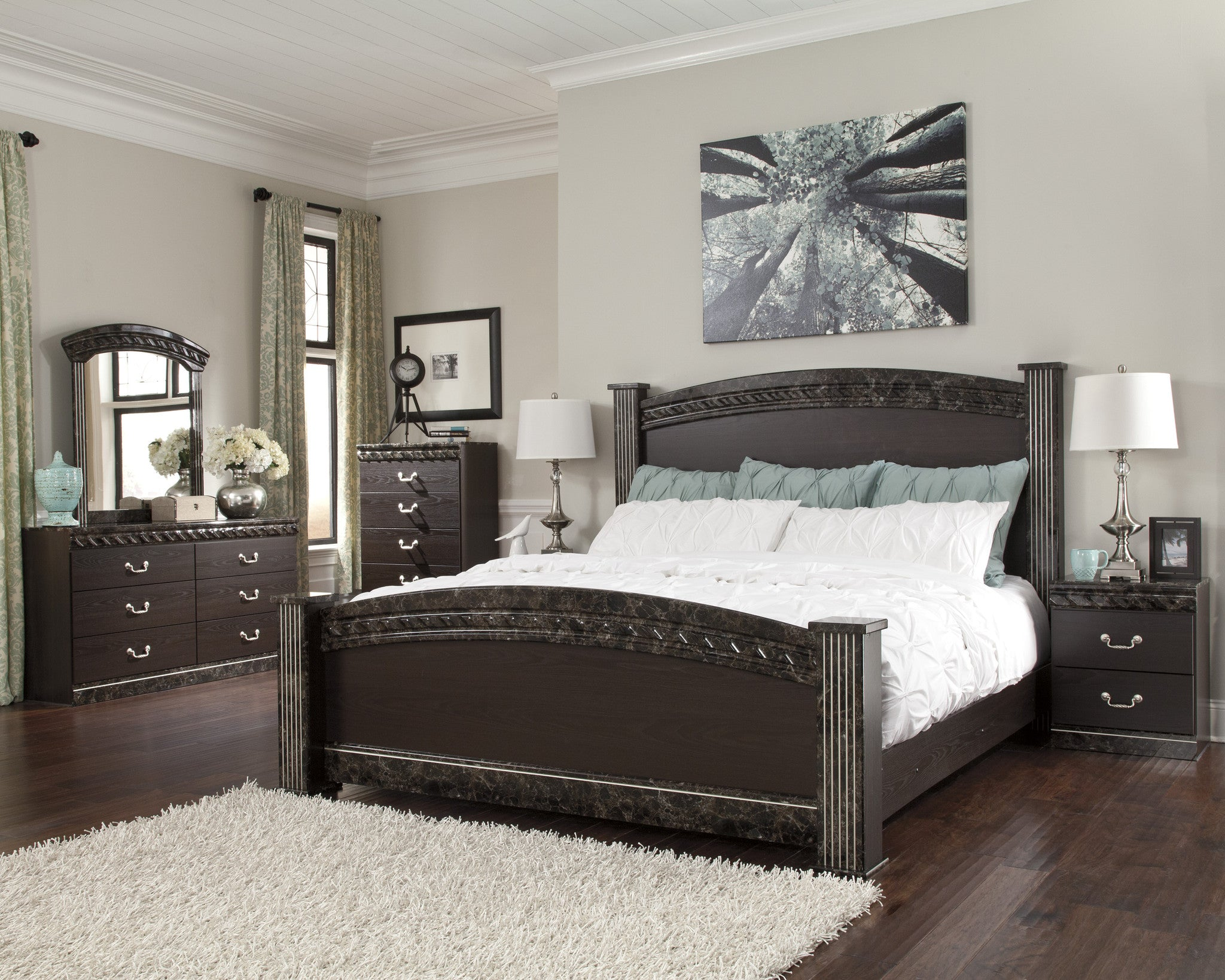 Vachel   5pc King Poster Bedroom Set