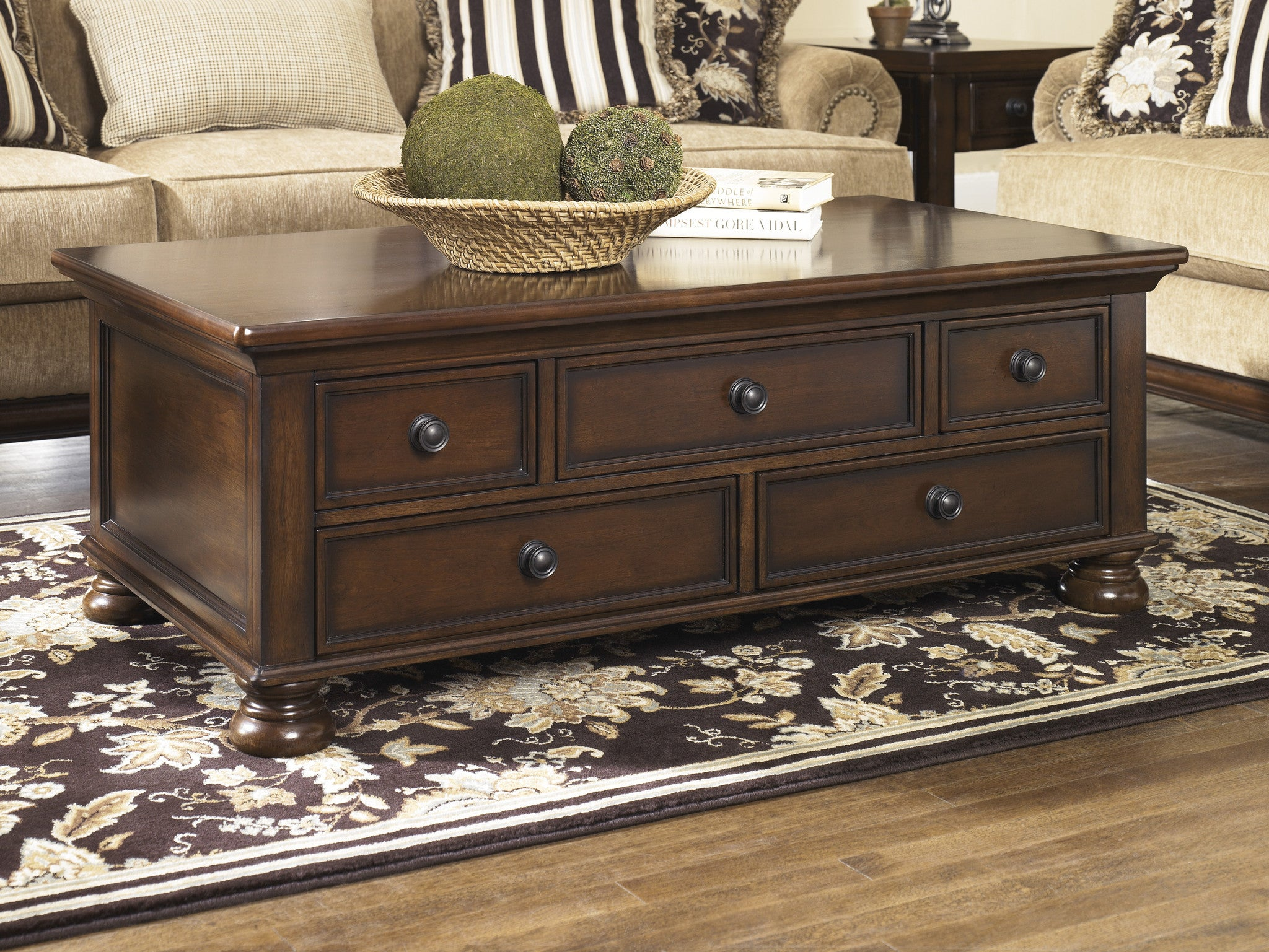 Awesome Noah   Accent Coffee Table