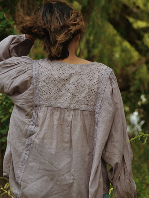 MABEL BLOUSE DUSTY LAVENDER