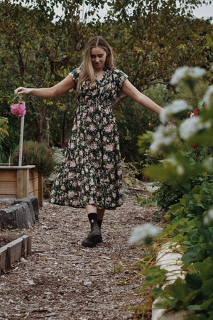 ISABEL DRESS ROSE FLORAL FOREST GREEN