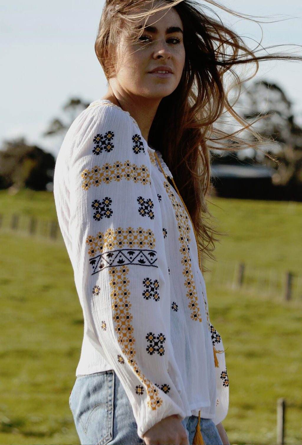 NETTLE EMBROIDERED BLOUSE WHITE