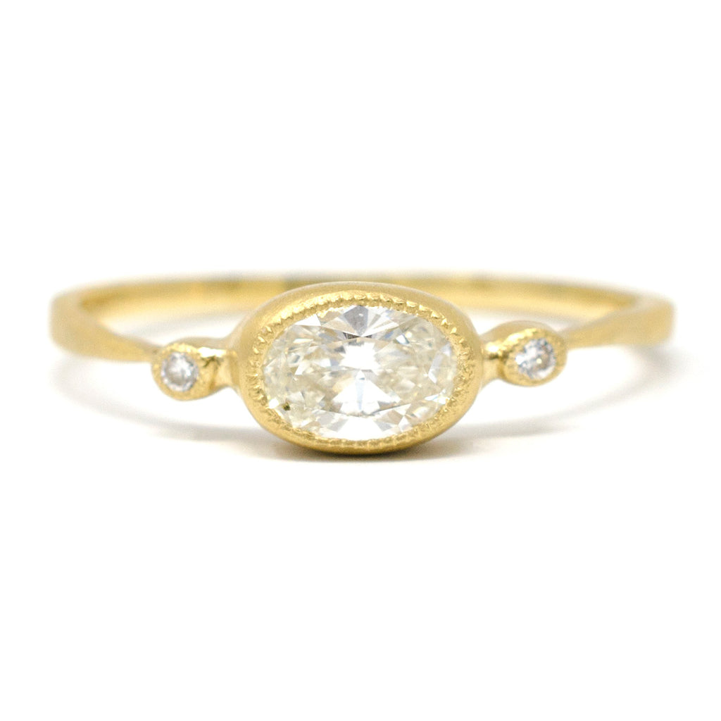 Blockette Dainty Oval Ring