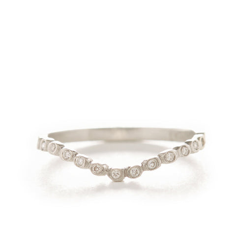 Dewdrop Small Diamond Curved Band