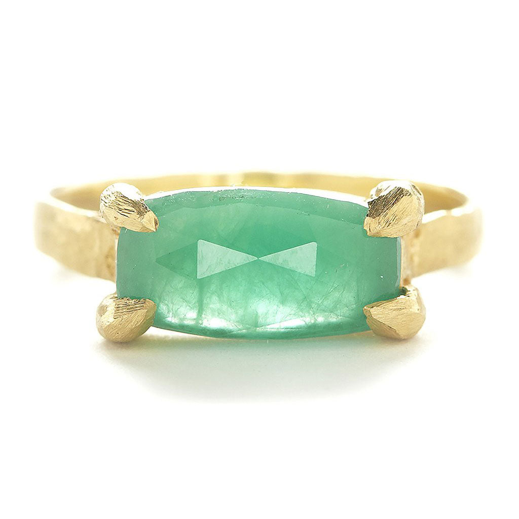 Facet Horizontal Emerald Ring