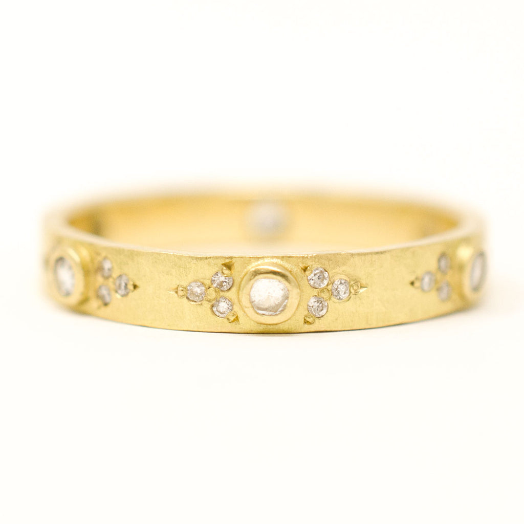 Hewn Pave Eternity Small Band