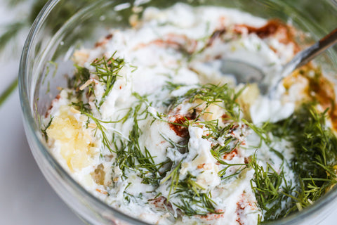 garlic dill herb greek yogurt dip