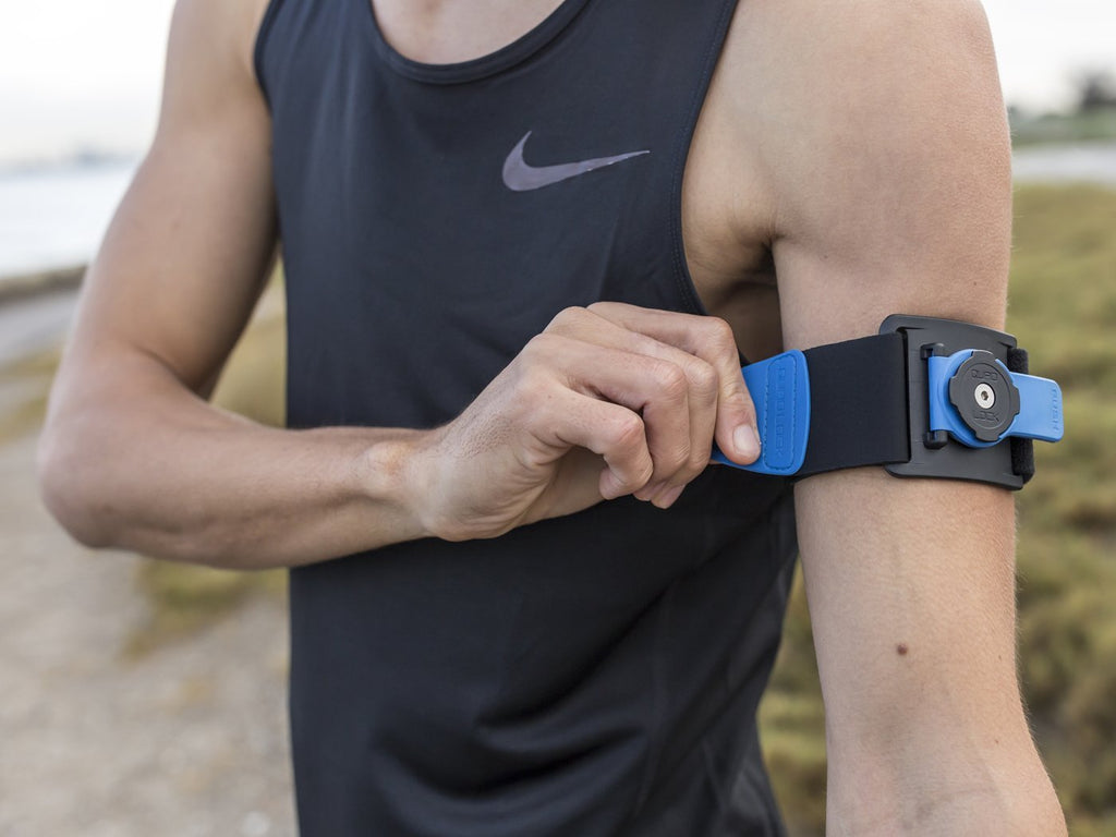 runner attaching quad lock running armband