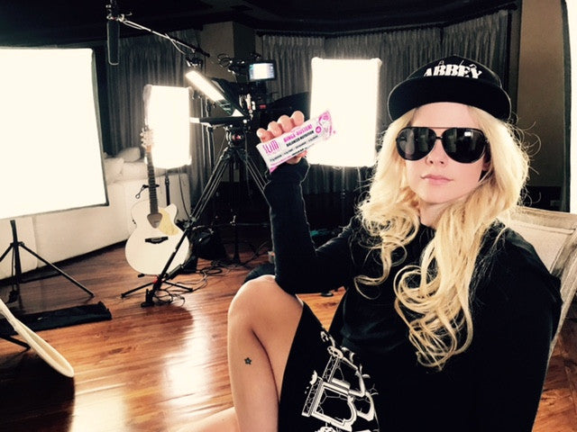 GLOBAL SUPERSTAR AVRIL LAVIGNE LOVING OUR HEALTHY SNACKS!!