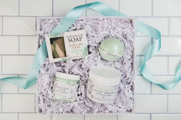The Mountains Are Calling Skincare Set