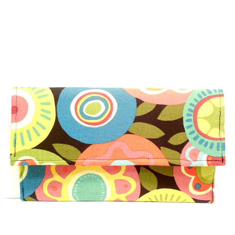 Joyful Clutch