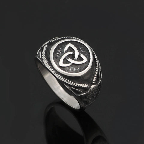 Triquetra Goat Ring