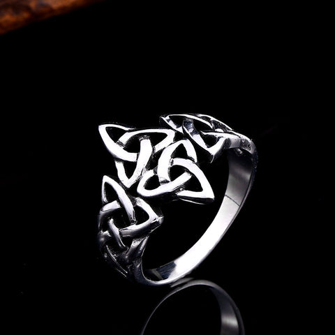 Triquetra Knot Ring