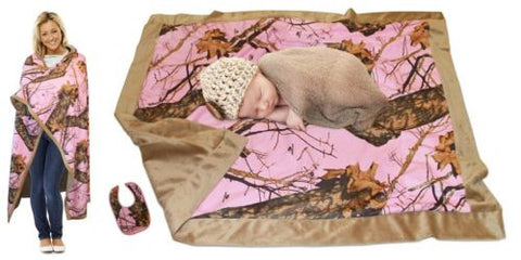 Mossy Oak Pink MOTHER & BABY Blankets 2 PC Gift Set, Pink Camo Newborn Mom Set