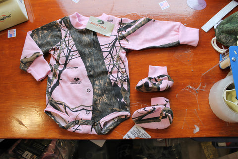 Mossy Oak Pink Baby Outfit $11.99+Free Shipping! Closeout Blow Out Sale.