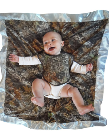 Mossy Oak Blue Baby Blanket + Bib 2PC Set Rich Redneck Carstens Camo Newborn Gift Set
