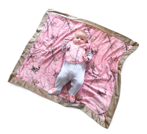 Mossy Oak Pink Baby Blanket & Bib 2PC Set Carstens Camo Minky Back Throw