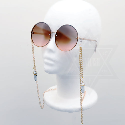 Disillusion glasses chain