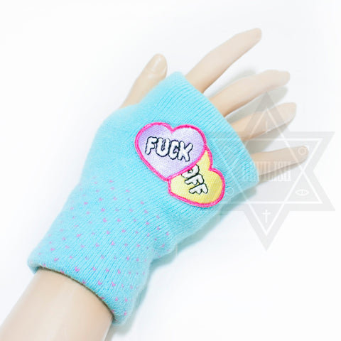 Punky heart gloves