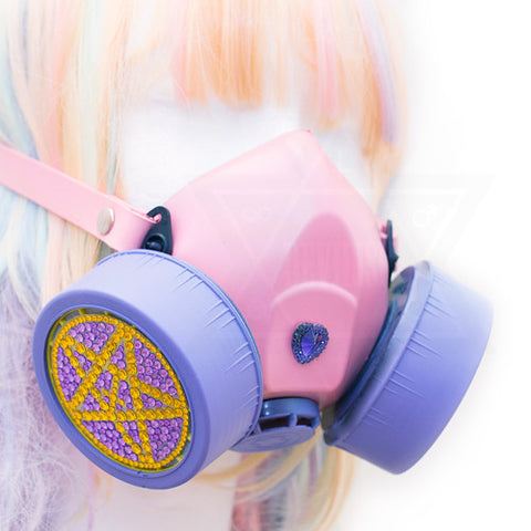 Dreamy gas mask