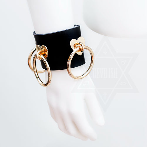 Hearty rings bangle