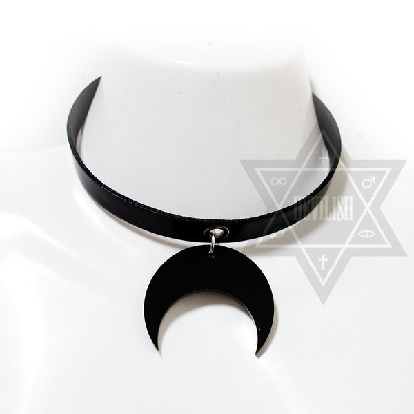 Darkened moon Choker