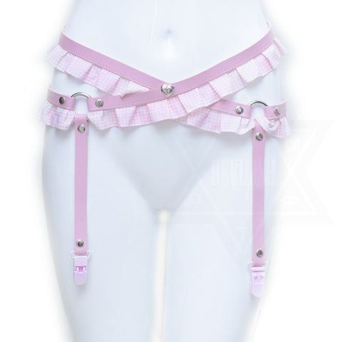 Love me tender garter belt
