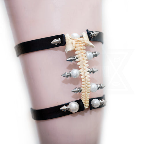 Bone collection garter