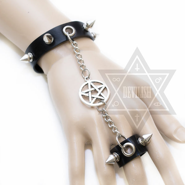 Witchy hand Harness