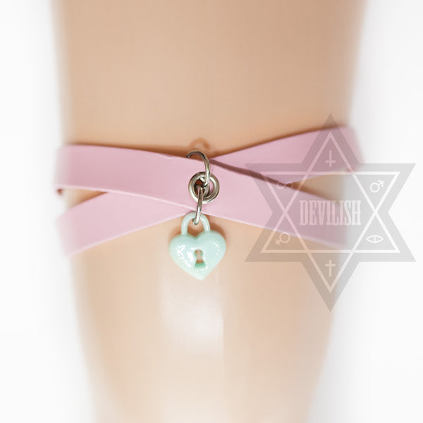 Lock Me Up garter(Pink,Green,Purple)