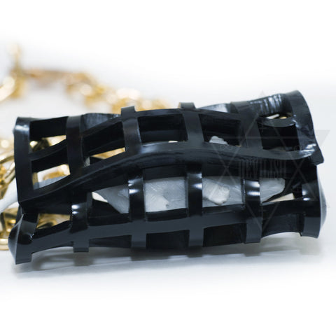 Trapped necklace