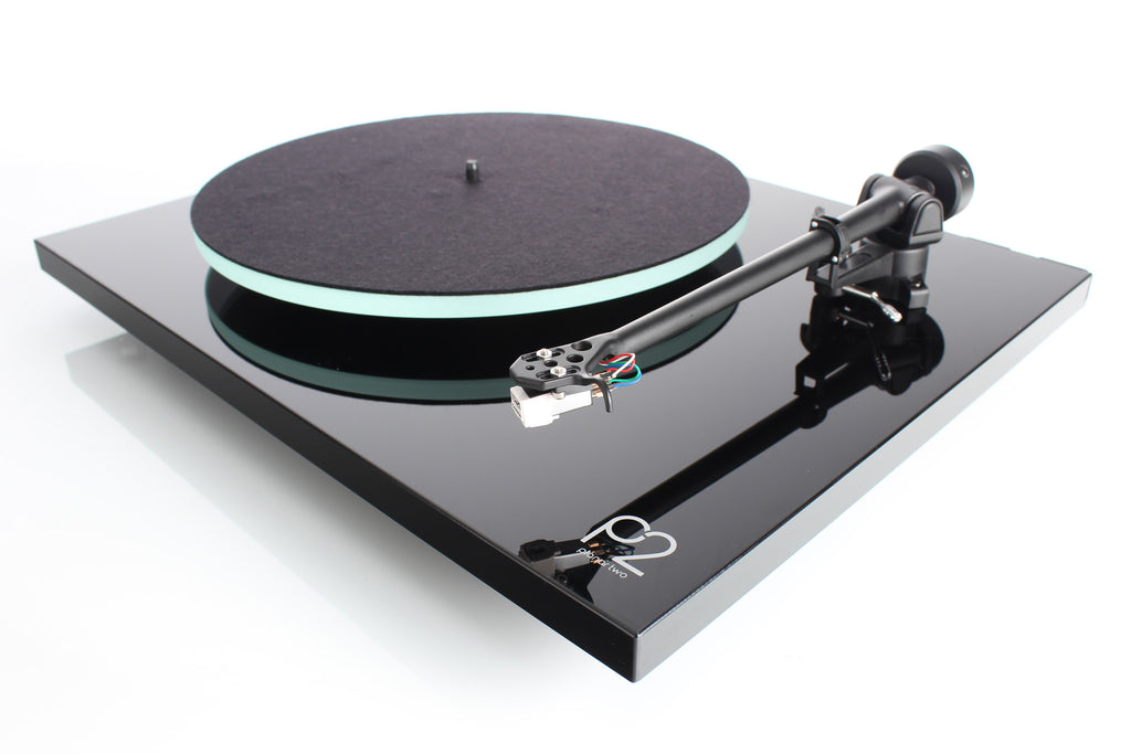 REGA Planar 2 Turntable with Carbon Cartridge - Grahams Hi-Fi