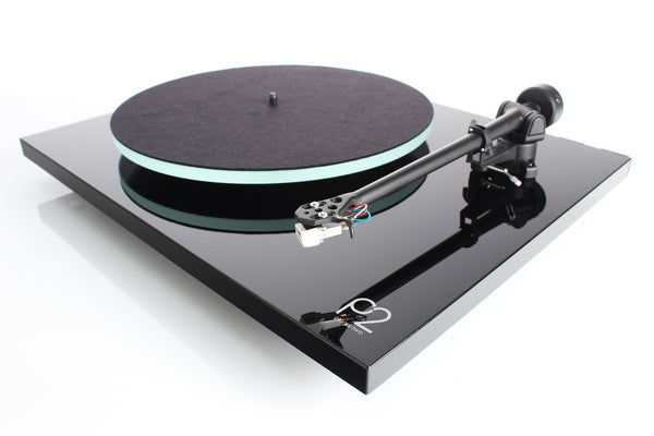 Planar 2 Turntable with Carbon Cartridge On Sale at Grahams Hi-Fi London