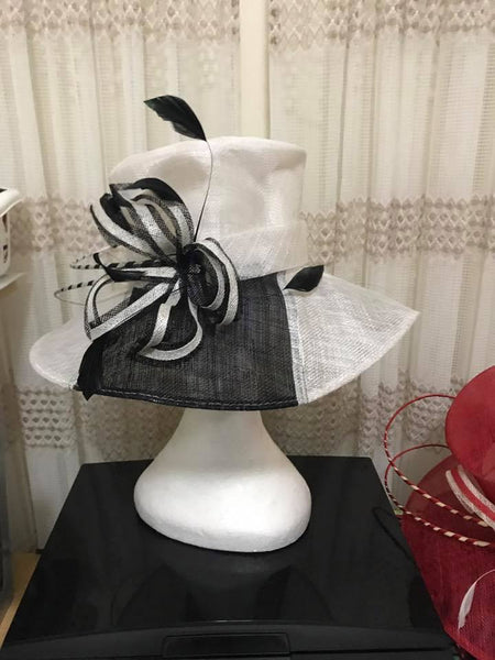 Black & white sinamay hat - DAMAGED